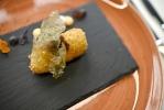 Croqueta de txangurro, salsa XO y cristal de lechuga de mar